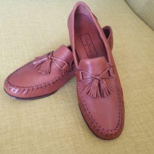 Elegant Cole Haan Saddle-Tan Tassle Loafers